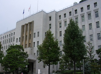 大阪府庁の外観