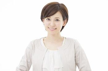 笑顔の素敵な女性の写真